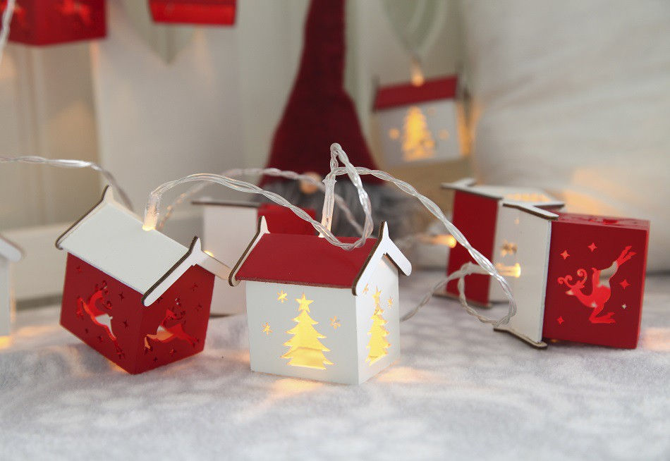 led lichterkette h uschen mit holzhaus haus 10tlg batteriebetrieb mit timer deko sch nes f r. Black Bedroom Furniture Sets. Home Design Ideas